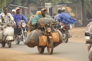 Trafric d'essence au Bénin